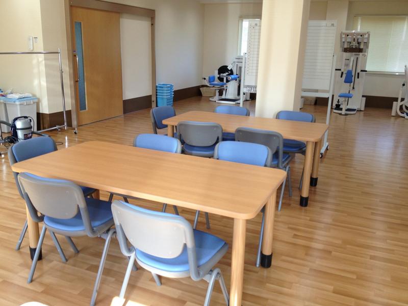 機能訓練室テーブル
